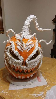 DIY Corpsed Foam Pumpkin - Jack-O-Lantern, Scarecrow, Halloween Easy Halloween Decorations, Holidays Halloween, Halloween Crafts, Halloween Stuff, Halloween Makeup, Halloween Party, Diy Halloween Scarecrow, Scary Halloween Pumpkins, Halloween Flowers