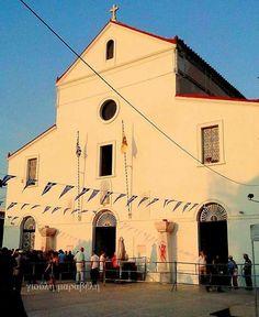 Ο ναος σημαιοστολισμενος,την ημερα της γιορτής της 26 Ιουλίου.