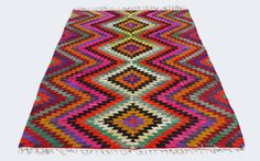 Real Turkish Kilim Rugs and Pillows from KilimRugAvenue. Bargello, Turkish Kilim Rugs, Rugs On Carpet, Bohemian Rug, Hand Weaving, Wool, Pillows, Vintage, Canvas