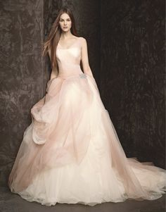 Vera Wang 2014 autumn/winter wedding dresses do not have a white wedding dress in the series, are all pink violet, pink, rose red, mostly come with large flowers. Description from fashionnewsdresses.blogspot.com. I searched for this on bing.com/images