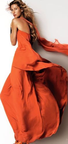 Brazilian Model Gisele Bündchen by Mario Testino for Vogue China March 2015 Rio Grande Do Sul, Jaune Orange, Coral, Vogue China, Orange Fashion, Gisele Bundchen, Orange Is The New Black, Orange Dress, Burnt Orange
