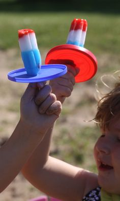 4th of July fun for kids - patriotic Popsicle... but the drip catcher is even GREATER ! !