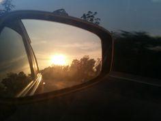 Lá vai o sol... tchuru. .. lá vai...