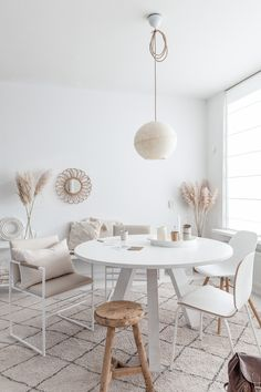Living Dining Room, Apartment Makeover, Room Decor, House Interior, Interior, Modern Room Decor, Interior Furniture, Home Decor, Living Room Designs