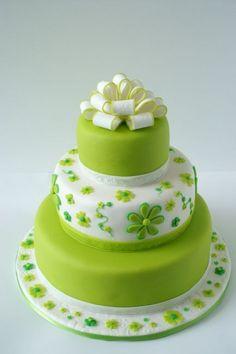 Weddingcake green flowers  By jolandatielemans on CakeCentral.com