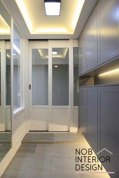 안녕하세요. 이웃님들~ 신월동 인테리어 전문업체 노브입니다. 오늘 소개해 드릴 신월동인테리어는 서울 양... Home And Living, Living Room, Interior And Exterior, Interior Design, Entrance Doors, Foyer, Decoration, Tile Floor, Bathtub