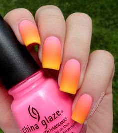 sunset nails, yellow nails and neon nails. Gradient Nail Design, Ombre Nail Designs, Gradient Nails, Cute Nail Designs, Bright Nails, Aumbre Nails, Pretty Designs, Gold Nails, Nail Polishes