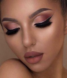 Hooded Eye Makeup – Great Make Up Ideas Makeup Eye Looks, Full Face Makeup, Cute Makeup, Pretty Makeup, Glamorous Makeup, Glam Makeup, Eyeshadow Makeup, Beauty Makeup, Stunning Makeup