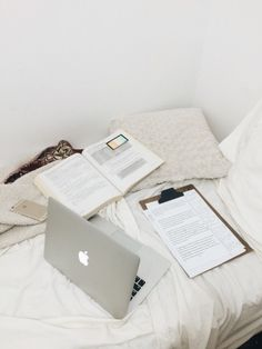 """carriestudies: """" correcting english essays on this sunday night… God I love teaching. Study Pictures, Study Photos, Pretty Notes, School Notes, Med School, Study Space, Study Motivation, School Motivation, Study Hard"""