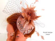 Fascinator kleiner Hut Dirndlhut Kopfputz Blüten von FischlDesign