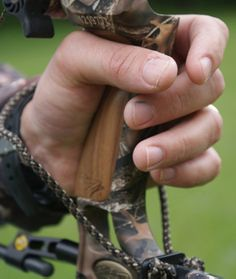 Proper Archery Form | Bow Grip |