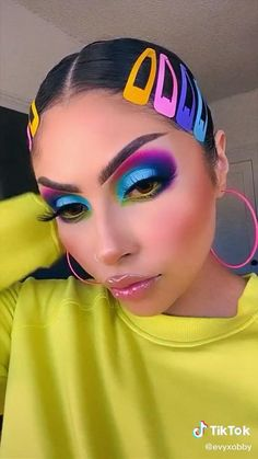 Yellow Makeup, Blue Eye Makeup, Makeup For Brown Eyes, Colorful Makeup, Makeup Dupes, Eyeshadow Makeup, Eyeshadow Ideas, Makeup Tricks, Eyeshadows