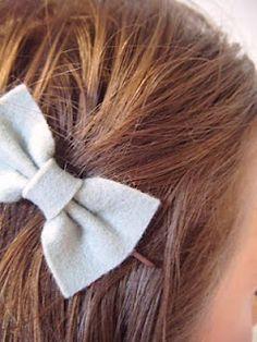 bobby pin bows...  Tutorial: Felt Bows