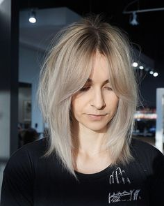 28 Bob hairstyles for thin hair 28 Bob Frisuren für dünnes Haar , 28 Bob hairstyles for thin hair Medium Bob Hairstyles, Haircuts For Long Hair, Hairstyles With Bangs, Straight Hairstyles, Short Haircuts, Bangs Updo, Latest Hairstyles, Lob Bangs, Side Bangs