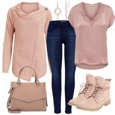 Schöner Freizeitlook aus Strickjacke, Jeans und seidener Bluse... #fashion #lifestyle #mode #frauenmode #damenmode #frauenoutfit #damenoutfit #kleidung #shoppen #shopaholic #apricot #hellpink #stiefeletten #tasche