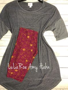This beautiful Lularoe outfit would make a wonderful holiday gift, or as an addition to you Lularoe collection. Join our group and shop all our Lularoe styles and sizes. https://www.facebook.com/groups/lularoeamyhahn/