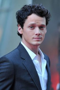 """Anton Yelchin Photos - Actor Anton Yelchin arrives to a screening of Dreamworks Pictures' """"Fright Night"""" on August 2011 in Hollywood, California. - Screening Of Dreamworks Pictures' """"Fright Night"""" - Red Carpet Star Trek Actors, Star Trek Reboot, Anton Yelchin, Maxon Schreave, Star Trek 2009, Star Trek Into Darkness, A Guy Who, Special People, Celebrity Crush"""