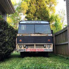 34 vind-ik-leuks, 2 reacties - Sam Spaulding (@mankindisunkind) op Instagram: 'Sooooo this just happened. Not too far off from my life dream of turning an old school bus into a…'