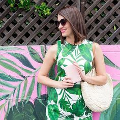 #StitchFixInfluencer @ErinZiering has style in the palm of her hand 🌴. Ask your Stylist for a Fix full of fresh prints.