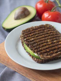 Rugbrødspanini - Panini med rugbrød, avokado og mozzarella (9)