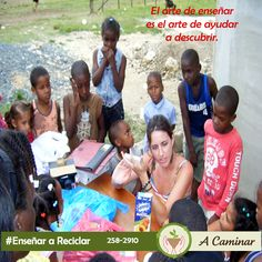 """Los niños desde muy pequeños, deben aprender a respetar y a valorar la naturaleza. Contáctenos : 258 2910 / Rpc. 998 178 541 Descubre más de nuestro trabajo aquí: http://acaminarperu.org/donaciones.html """"Acaminar Perú"""" reciclamos para ayudar ❤"""