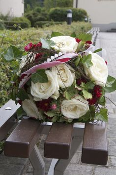 Brautstrauß, rot-weiß nicht klassisch