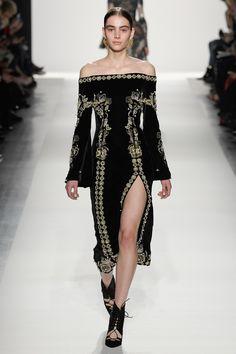 Jonathan Simkhai Fall 2017 Ready-to-Wear Collection Photos - Vogue Fashion Week, Fashion 2017, New York Fashion, Couture Fashion, Runway Fashion, High Fashion, Fashion Show, Fashion Dresses, Womens Fashion