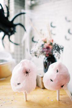 Pink Halloween, Halloween Dinner, Halloween Birthday, Halloween Party Decor, Halloween House, Holidays Halloween, Halloween Kids, Halloween Treats, Halloween 1st Birthdays