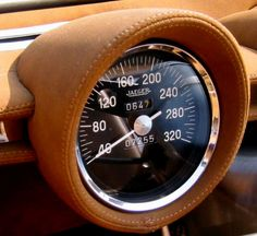 A total of 7255 kms has been driven in the magnificent Lamborghini Miura Roadster Zn75 or Spider as it was sometimes called.