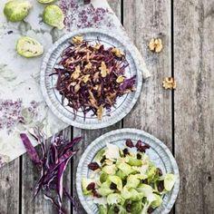 Rödkålssallad med balsamivinägrett, äpple & valnötter