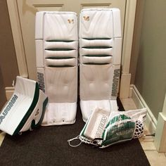 Custom white/green Vaughn V6 setup.