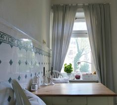 Introducing: our designer Birthe from Hamburg. Her beautiful Scandinavian country style kitchen.