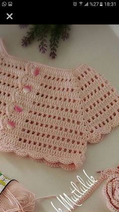 Crochet Baby Bib from Vintage Pattern Crochet Baby Bibs, Crochet Yoke, Crochet Toddler, Crochet Girls, Crochet Baby Clothes, Crochet For Kids, Crochet Stitches, Baby Knitting, Knitting Patterns