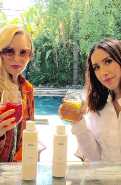 Rachel Zoe and celebrity hairstylist-turned-OUAI Haircare founder Jen Atkin met up to chat summer style, life-changing beauty tips and even share a few surprises. Spoiler: The two even revealed the thirdsummer Box of Styleitem