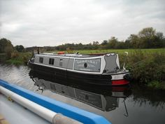 'Sumo No!' from Nene valley Boats at Oundle. Narrowboat Holidays, Canal Boat, Peterborough, Home And Away, Exterior Colors, Colour Schemes, Narrow Boat, Houseboats, Colours