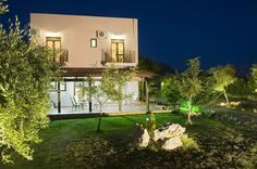 Top Villas in Crete | Villa Nefeli | Enjoy the very dazzling night here. Very close to the beach. Available at a reasonable price. | thetripjunkie.com