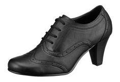 könnte meine Oma schon getragen haben...mir gefallen die Schuhe trotzdem ;-)