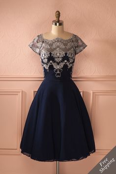 Camelie - Navy and silver embroidered dress Classy Prom Dresses, Lace Homecoming Dresses, Unique Prom Dresses, Prom Party Dresses, Pretty Dresses, Evening Dresses, Dresses Short, Couture, Mode Style