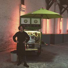 @kalleskaffe er på besøg og byder på en lun kop at varme sig på ☕️ #kigforbi #kaffe #coffee #papirhallen #eventvenue #cph #aok #papirøen #event #kalleskaffe