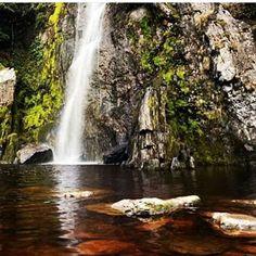 La Cascada del Vino, es una caída de agua con la peculiar característica que el río posee de color vinotinto, producto de un compuesto orgánico situada en el Tocuyo, estado Lara