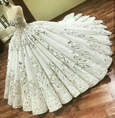 Yes or no💘💘💘 📩 Business/Promotion Tag your bff 👭👭👭 Check link 👆 . Quince Dresses, Ball Dresses, Ball Gowns, Prom Dresses, Dream Wedding Dresses, Bridal Dresses, Wedding Gowns, Fantasy Dress, Quinceanera Dresses