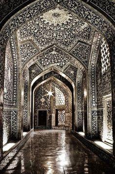 Sheikh Lotf-allah's Mosque, Isfahan, Iran