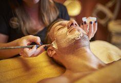 Intensiv porentief reinigende und feuchtigkeitsspendende Gesichtsbehandlung. Spa, Body And Soul, Wellness, Deep, Beauty, Beleza, Cosmetology
