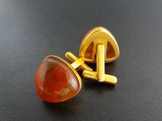 Hey, I found this really awesome Etsy listing at https://www.etsy.com/ru/listing/521584603/vintage-amber-cuff-linksgenuine-baltic