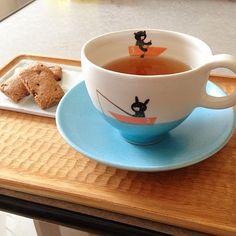 Instagram media by muku0729 - 笠間 SPACE NICO (スペース・ニコ)さんからお家に迎えた小堤晶子さんのカップ&ソーサー。紅茶で癒しの時間。  最高にかわいい。 #小堤晶子 #笠間 #笠間焼 #紅茶 #おやつ #SPACE NICO