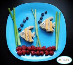 Creative food for kids // Comida creativa para niños Cute Snacks, Lunch Snacks, Cute Food, Good Food, School Snacks, School Lunch, Party Snacks, Yummy Snacks, Yummy Food