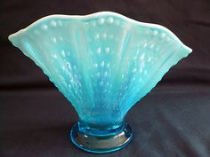 Fenton BLUE Opalescent ~ PULLED HOBNAIL ~ Melon RIbbed FAN VASE glass #389