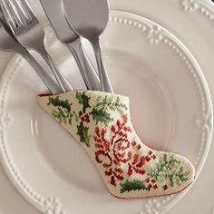 Милые сердцу штучки: Новогодняя вышивка: Сапожок для сервировки праздничного стола