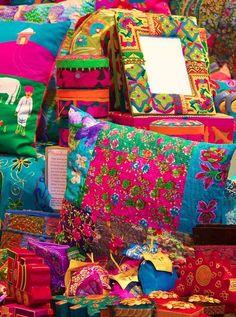 Cute Bohemian Floor Pillow And Chusions Decorating Ideas 40 Bohemian Living, Bohemian Decor, Bohemian Style, Boho Gypsy, White Bohemian, Modern Bohemian, Gypsy Style, Boho Hippie, Deco Boheme Chic