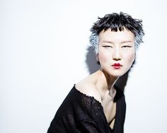 She is mysterious. Creative Hairstyles, Cool Hairstyles, Short Hair Cuts, Short Hair Styles, Foto Fashion, Unique Faces, Hair Shows, Asian Hair, Hair Images